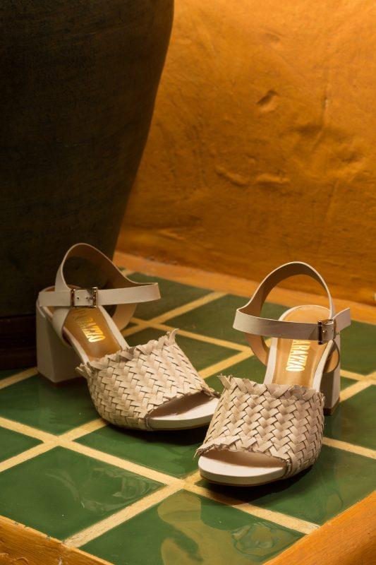 moda zapatos tallas grandes verano blancos